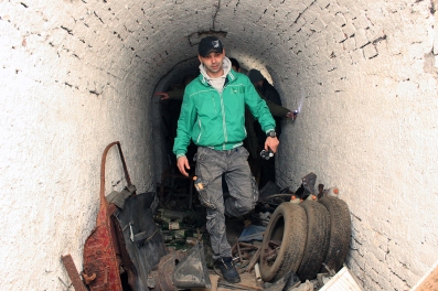 Slavomir Kiš Kišfalubac u galerijama punim smeća.