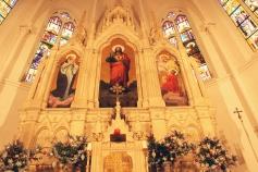Oltar sadašnje crkve