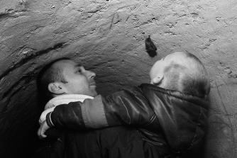 Славомир Кишфалубац повео је на ускршње чишћење тунела трогодишњег сина Матеја, који је показао велико интересовање за слепе мишеве из подземља.